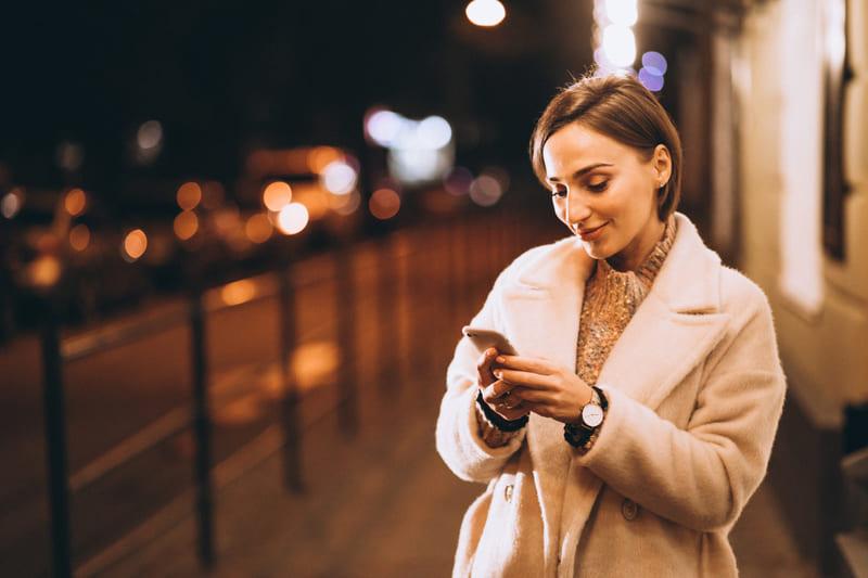 マッチングアプリでライン交換後にデートを打診するメッセージ例