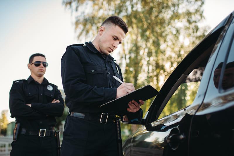 そもそも警察官との出会いはあるのか