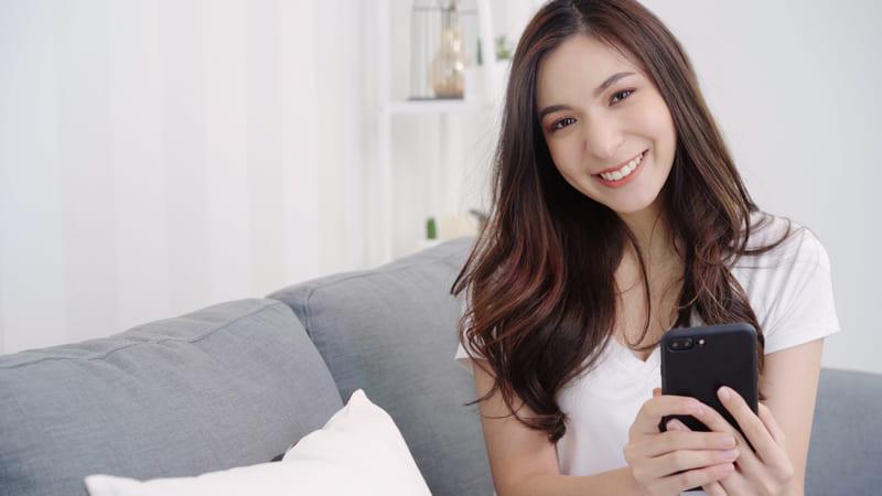 遠距離恋愛する人向けのアプリの選び方